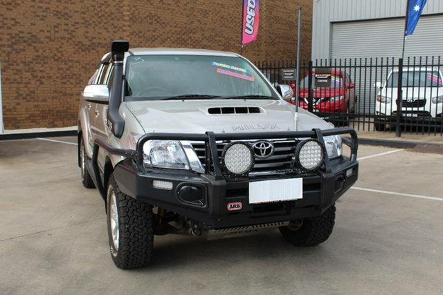 Used Toyota Hilux KUN26R MY14 SR5 (4x4) Hoppers Crossing, 2013 Toyota Hilux KUN26R MY14 SR5 (4x4) Silver 5 Speed Manual Dual Cab Pick-up