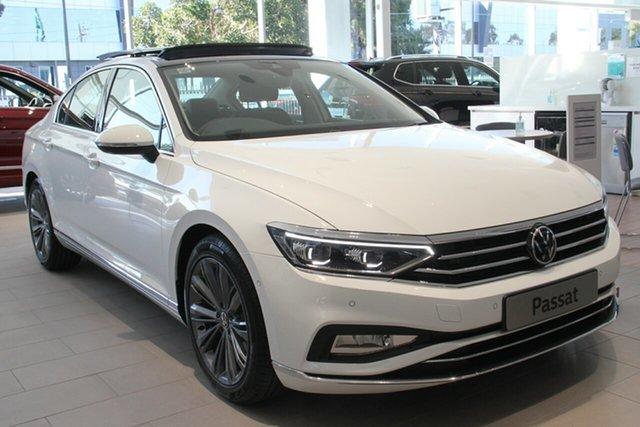 New Volkswagen Passat 3C (B8) MY21 162TSI DSG Elegance Indooroopilly, 2021 Volkswagen Passat 3C (B8) MY21 162TSI DSG Elegance Deep Black Pearl Effect 6 Speed