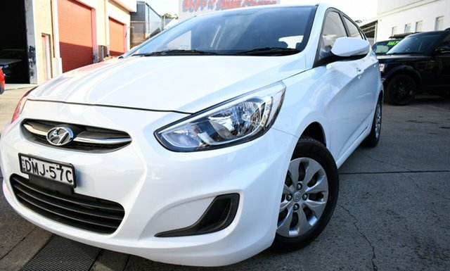 Used Hyundai Accent RB4 MY17 Active Narrabeen, 2016 Hyundai Accent RB4 MY17 Active White 6 Speed Constant Variable Hatchback
