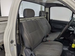 2002 Toyota Hilux LN147R MY02 4x2 White 5 Speed Manual Cab Chassis