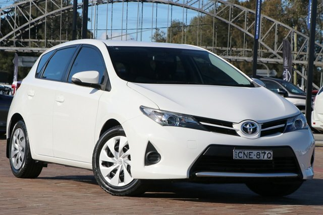 Pre-Owned Toyota Corolla ZRE182R Ascent Warwick Farm, 2013 Toyota Corolla ZRE182R Ascent White 6 Speed Manual Hatchback