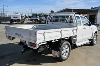 2014 Toyota Hilux KUN26R MY14 SR Xtra Cab White 5 Speed Manual Cab Chassis