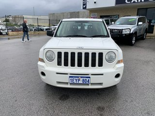 2009 Jeep Patriot MK Limited White 5 Speed Manual Wagon.