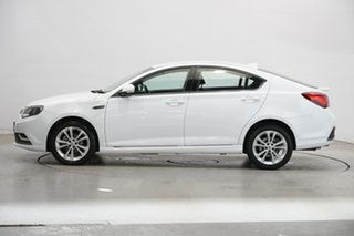 2017 MG MG6 IP2X Core Mountain White 6 Speed Sports Automatic Dual Clutch Hatchback.