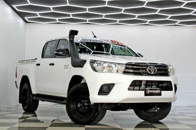 Used Toyota Hilux GUN126R MY19 SR (4x4) Burleigh Heads, 2018 Toyota Hilux GUN126R MY19 SR (4x4) White 6 Speed Automatic Double Cab Pick Up