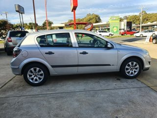 2008 Holden Astra AH MY08 CD Silver 5 Speed Manual Hatchback