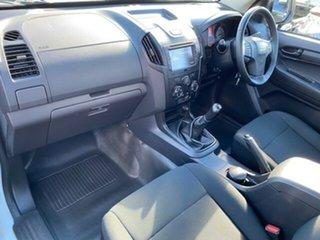 2017 Isuzu D-MAX TF MY17 SX (4x2) White 6 Speed Manual Cab Chassis.