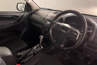 2016 Isuzu D-MAX MY15 SX White 5 speed Automatic Cab Chassis