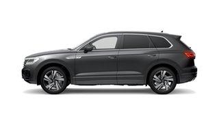 2021 Volkswagen Touareg CR MY21 210TDI Tiptronic 4MOTION R-Line Silicon Grey Metallic 8 Speed.