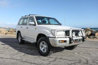 2000 Toyota Landcruiser FZJ105R GXL White 4 Speed Automatic Wagon.