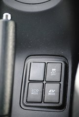 2012 Toyota Prius c NHP10R i-Tech E-CVT White 1 Speed Constant Variable Hatchback Hybrid