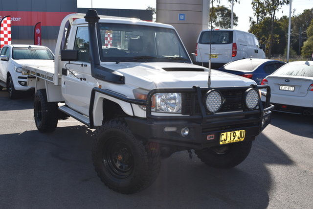 Used Toyota Landcruiser VDJ79R MY10 Workmate Tuggerah, 2011 Toyota Landcruiser VDJ79R MY10 Workmate White 5 Speed Manual Cab Chassis