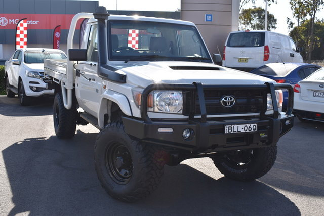Used Toyota Landcruiser VDJ79R MY13 Workmate Tuggerah, 2013 Toyota Landcruiser VDJ79R MY13 Workmate White 5 Speed Manual Cab Chassis