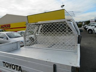 2006 Toyota Hilux KUN26R SR (4x4) White 5 Speed Manual Dual Cab Chassis