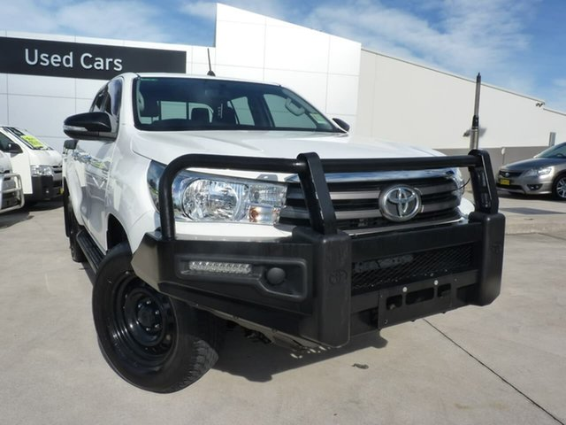 Pre-Owned Toyota Hilux GUN126R SR Double Cab Blacktown, 2016 Toyota Hilux GUN126R SR Double Cab Glacier White 6 Speed Sports Automatic Utility