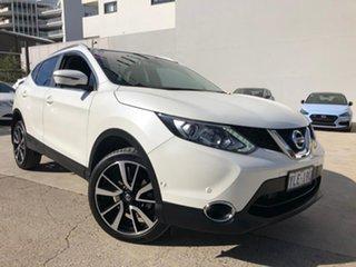 2016 Nissan Qashqai TI White Constant Variable Wagon.