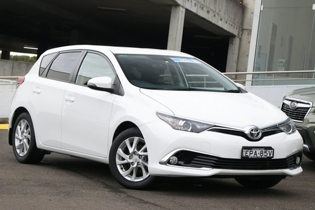 Used Toyota Corolla ZRE182R Ascent Sport Brookvale, 2016 Toyota Corolla ZRE182R Ascent Sport White 6 Speed Manual Hatchback