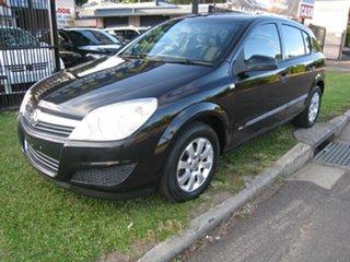 2008 Holden Astra AH, Finance $42 Per Week Black 5 Speed Manual Hatchback.
