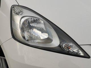 2008 Honda Jazz GD GLi White 5 Speed Manual Hatchback.