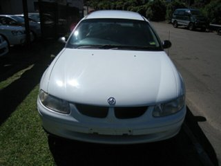 1998 Holden Commodore VT Executive White 4 Speed Automatic Wagon.