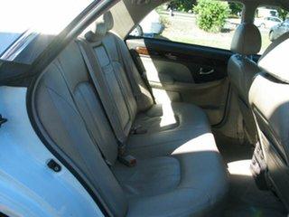 2002 Hyundai Grandeur XG White 4 Speed Automatic Sedan
