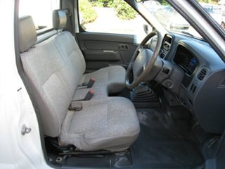 2000 Nissan Navara D22 DX (4x4) White 5 Speed Manual 4x4 Cab Chassis