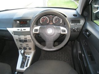 2008 Holden Astra  AUTO, Finance $42 Per Week White 4 Speed Automatic Hatchback