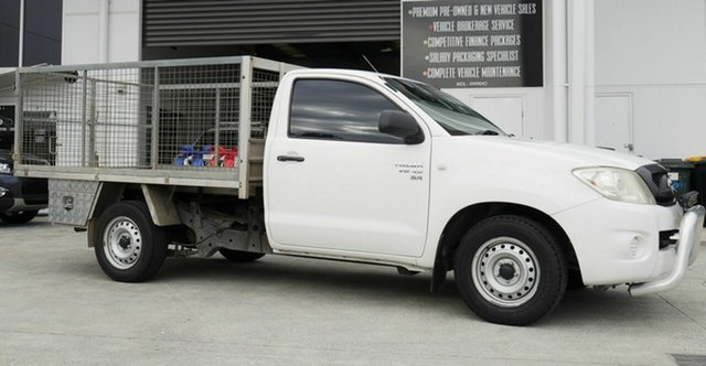 Used Toyota Hilux GGN15R MY09 SR 4x2 Capalaba, 2008 Toyota Hilux GGN15R MY09 SR 4x2 White 5 Speed Automatic Cab Chassis