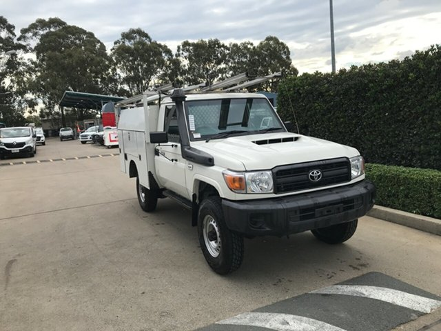 Used Toyota Landcruiser VDJ79R Workmate Acacia Ridge, 2017 Toyota Landcruiser VDJ79R Workmate French Vanilla 5 speed Manual Cab Chassis