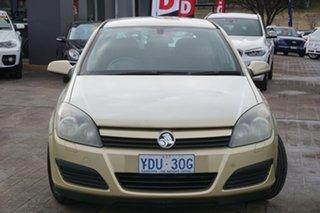 2005 Holden Astra AH MY05 CD Gold 5 Speed Manual Hatchback.