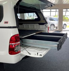 2015 Toyota Hilux KUN26R MY14 SR Double Cab White 5 Speed Manual Utility