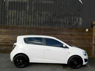 2013 Holden Barina TM MY14 CD White 6 Speed Automatic Hatchback.