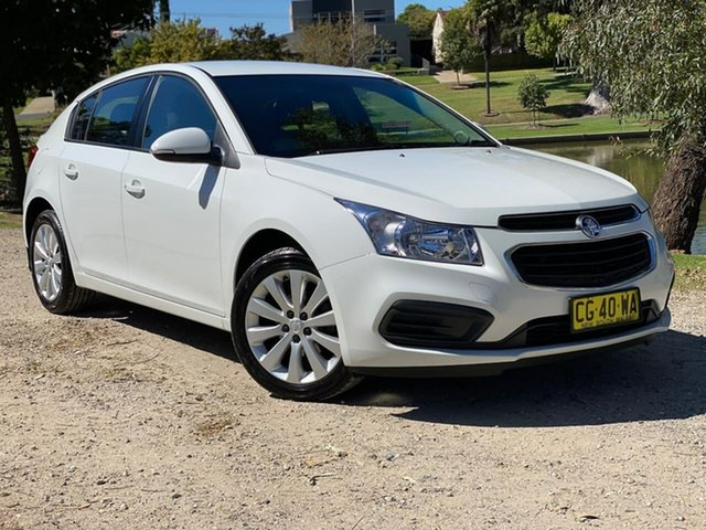 Used Holden Cruze JH Series II MY16 Equipe Wodonga, 2016 Holden Cruze JH Series II MY16 Equipe White 6 Speed Sports Automatic Hatchback