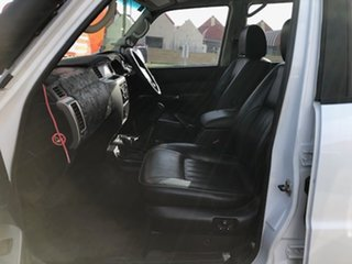 2005 Nissan Patrol GU IV MY05 ST-L White 5 Speed Manual Wagon