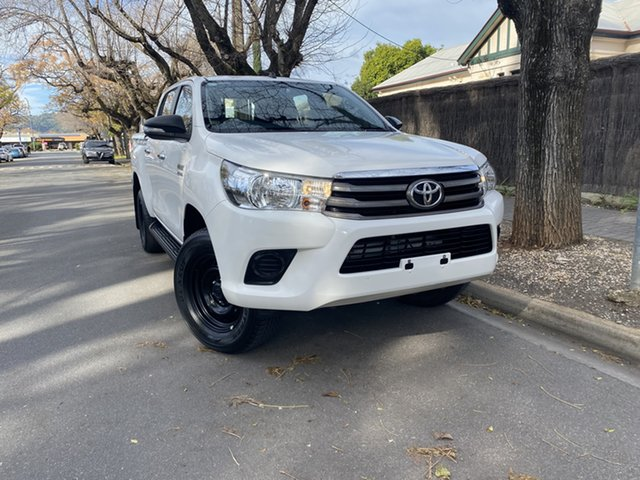Pre-Owned Toyota Hilux GUN126R SR Double Cab Hawthorn, 2016 Toyota Hilux GUN126R SR Double Cab White 6 Speed Sports Automatic Cab Chassis