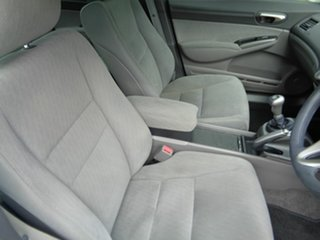2010 Honda Civic 8th Gen MY10 VTi-L White 5 Speed Manual Sedan