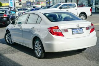 2014 Honda Civic 9th Gen Ser II MY13 VTi-L White 5 Speed Sports Automatic Sedan.