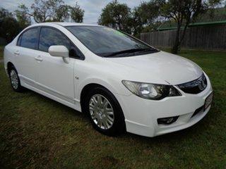 2010 Honda Civic 8th Gen MY10 VTi-L White 5 Speed Manual Sedan.