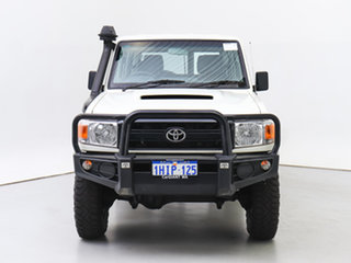 2015 Toyota Landcruiser VDJ76R MY12 Update Workmate (4x4) White 5 Speed Manual Wagon.