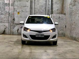 2013 Hyundai i20 PB MY13 Active White 6 Speed Manual Hatchback.