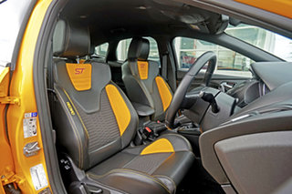 2017 Ford Focus LZ ST Yellow 6 Speed Manual Hatchback