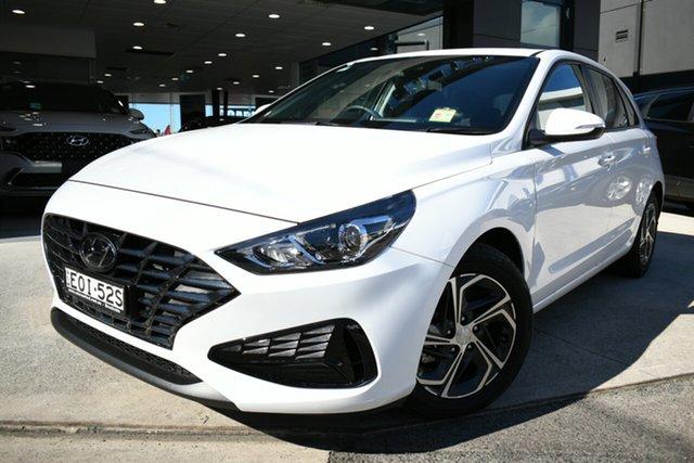 Demo Hyundai i30 PD.V4 MY21 Brookvale, 2021 Hyundai i30 PD.V4 MY21 Polar White 6 Speed Sports Automatic Hatchback