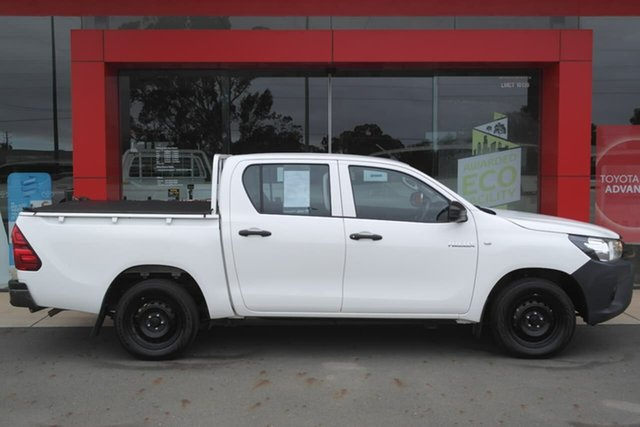 Pre-Owned Toyota Hilux TGN121R Workmate Double Cab 4x2 Swan Hill, 2017 Toyota Hilux TGN121R Workmate Double Cab 4x2 White 6 Speed Sports Automatic Utility