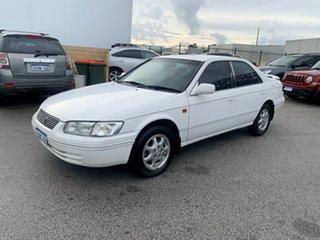 1997 Toyota Vienta MCV20R VXi White 4 Speed Automatic Sedan.
