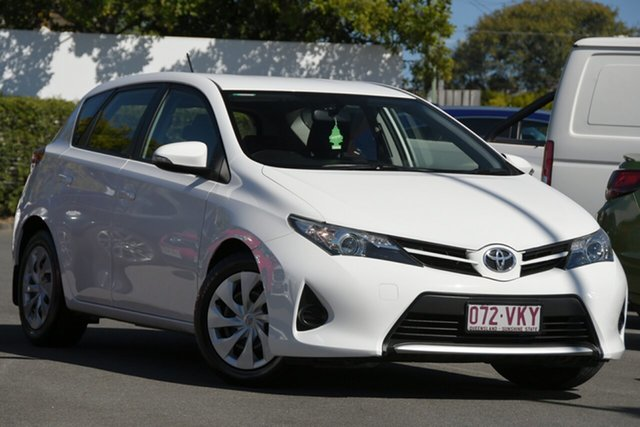 Used Toyota Corolla ZRE182R Ascent S-CVT Mount Gravatt, 2015 Toyota Corolla ZRE182R Ascent S-CVT White 7 Speed Constant Variable Hatchback