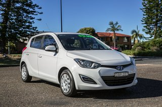 2014 Hyundai i20 PB MY15 Active Polar White 4 Speed Automatic Hatchback.