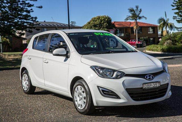 Used Hyundai i20 PB MY15 Active Port Macquarie, 2014 Hyundai i20 PB MY15 Active Polar White 4 Speed Automatic Hatchback