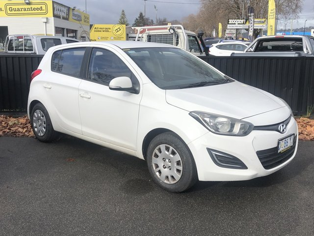 Used Hyundai i20 PB MY15 Active Launceston, 2014 Hyundai i20 PB MY15 Active Polar White 6 Speed Manual Hatchback