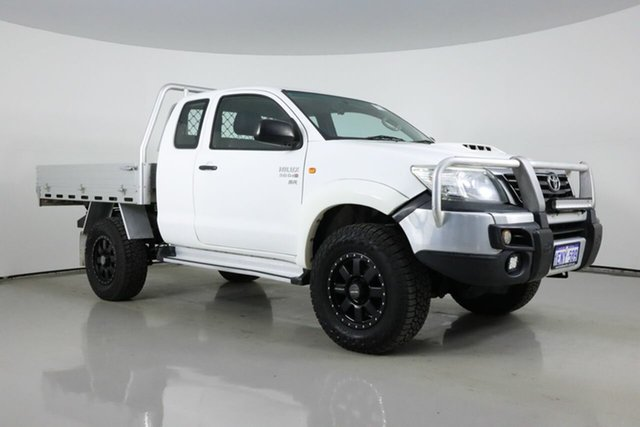 Used Toyota Hilux KUN26R MY14 SR (4x4) Bentley, 2014 Toyota Hilux KUN26R MY14 SR (4x4) White 5 Speed Manual X Cab Cab Chassis