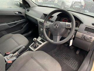 2005 Holden Astra AH CD Gold 5 Speed Manual Hatchback